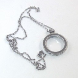 Round Bezel Frame with Necklace